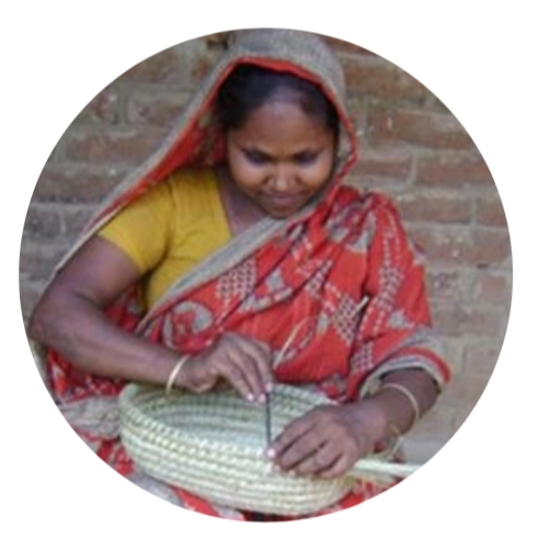 weaving-kaisi-grass-basket