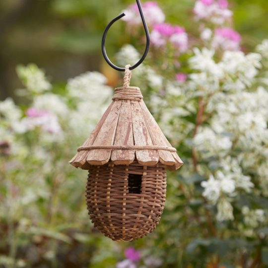 cone roof birdhouse 1