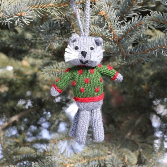knit cat ornament green