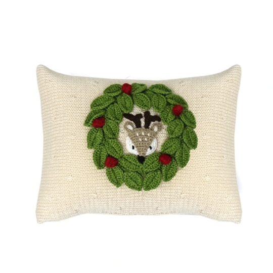 knit peekaboo pillow deer