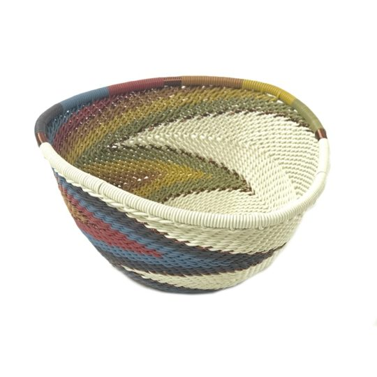 telephone wire triangle bowl white desert