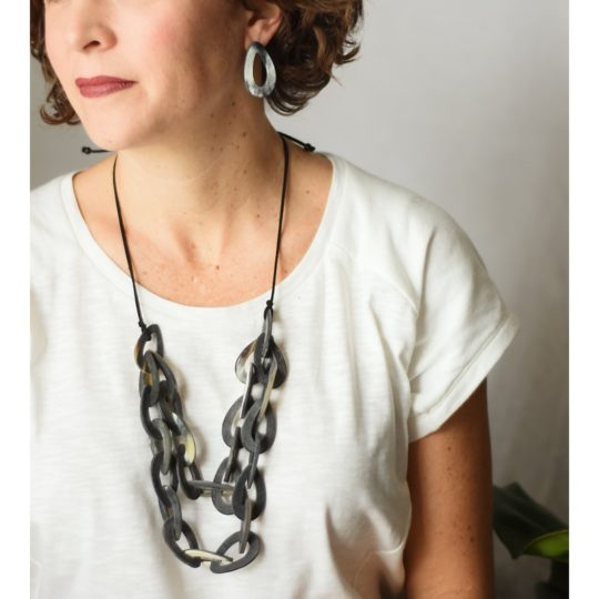 sapa necklace dark bullhorn
