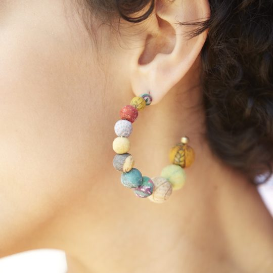 kantha conch earrings model